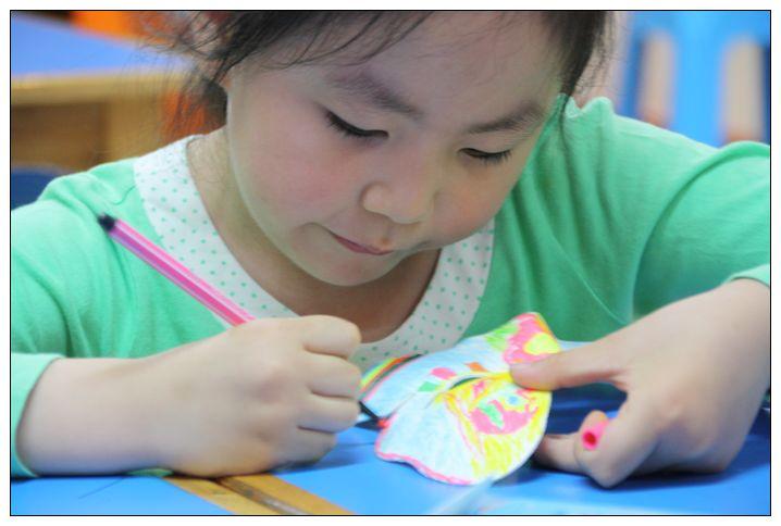 童方童话----儿童节画脸谱